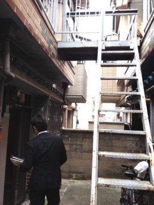 文化住宅、隣接連棟と共用階段