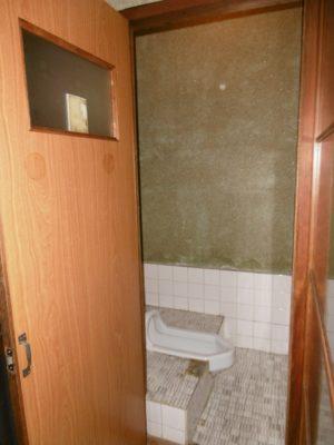 文化住宅の和式トイレ